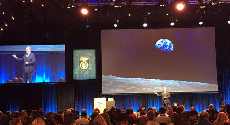 Al Gore and Earth rise