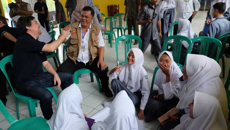 South Pole and Indonesia Power's workshop on climate change with local high school students