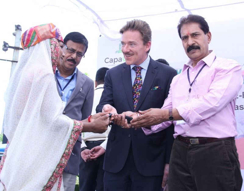 Swiss Ambassador launches CapaCITIES project with hand-over of E-Rickshaws in Udaipur